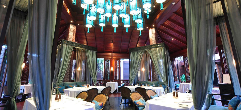 137-Pillars-House-Thailand-gay-travel-luxury-gay-friendly-hotel-Thailand-gay-honeymoon-dining-room