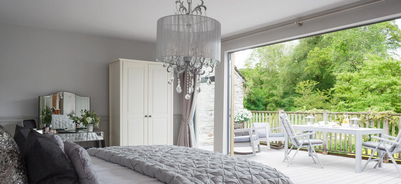 Bedroom-at-Ever-After-country-wedding-venue-Devon-PL19-a-Tavistock-wedding-venue-via-the-Gay-Wedding-Guide
