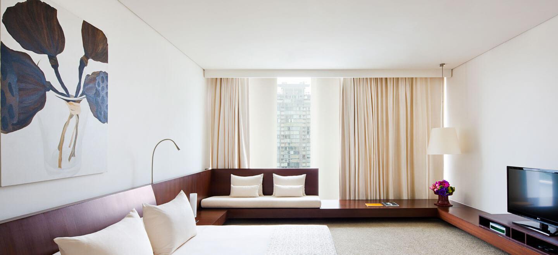 COMO-Bangkok-gay-thailand-gay-travel-honeymoon-at-COMO-Metropolitan_Master-Suite-Bedroom