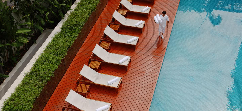 COMO-Bangkok-gay-thailand-gay-travel-honeymoon-at-COMO-Metropolitan_Pool-Kylie-Slow