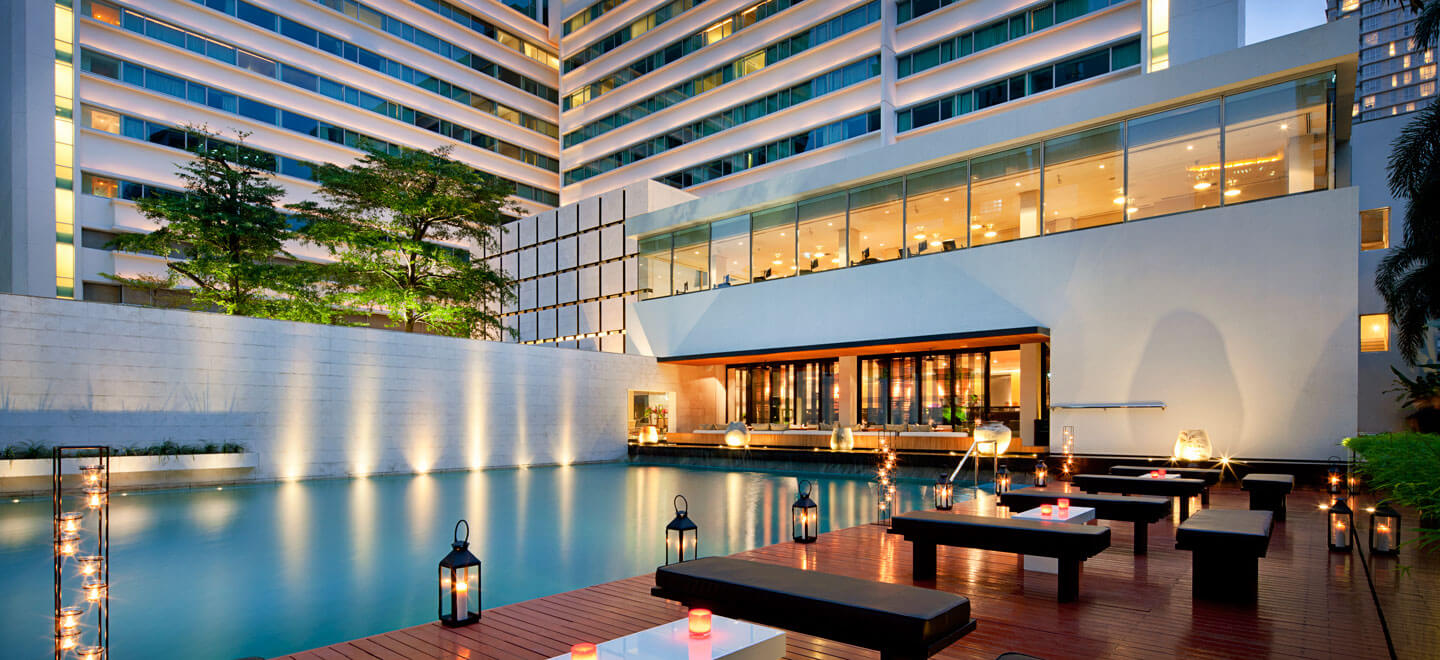 COMO-Bangkok-gay-thailand-gay-travel-honeymoon-at-COMO-Metropolitan_Pool-and-Nahm-at-night