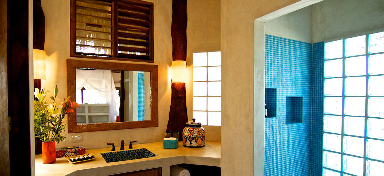 Encantada-Tulum-Mexico-Honeymoon-Desintation-Gay-Mexico-Luxury-Honeymoon-in-Mexico-bathroom-shower-gay-wedding-guide-luxury-gay-honeymoons1