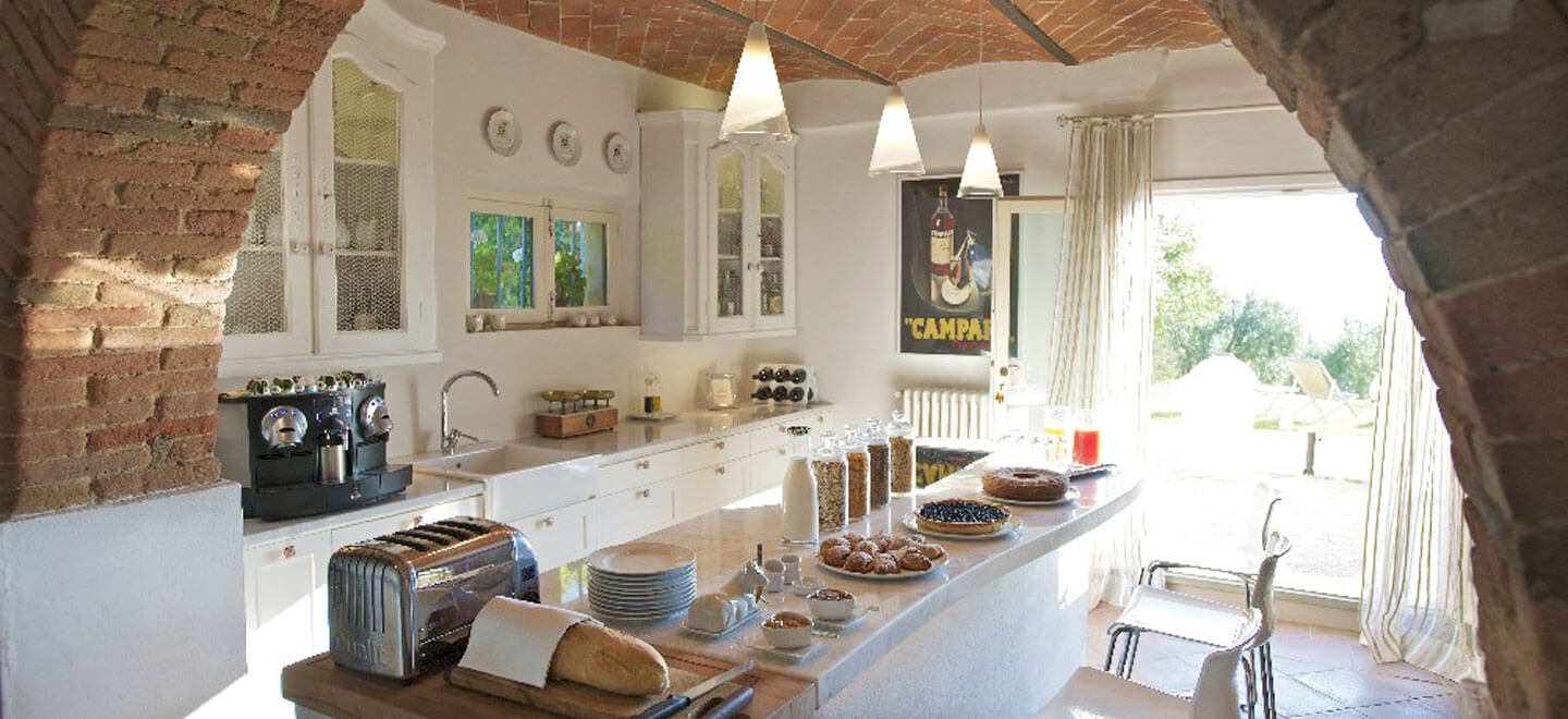 Fontelunga-gay-hotel-Italy-Florence-gay-Italy-travel-gay-wedding-guide-gay-honemoon-italy-review-self-catering-kitchen