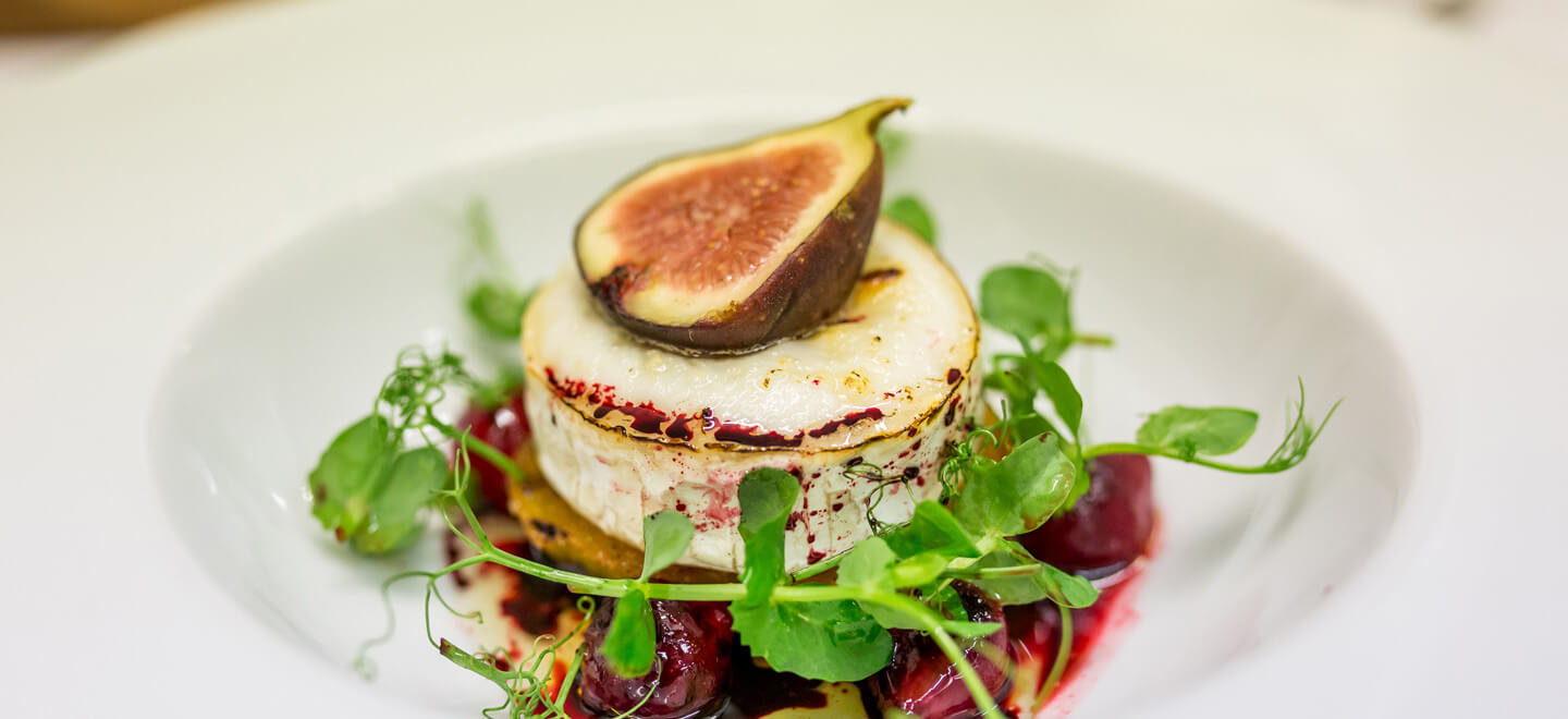 Gourmet-Food-3-at-Italian-Villa-Poole-Wedding-Venue-in-Dorset-on-the-Gay-Wedding-Guide-for-Gay-Dorset