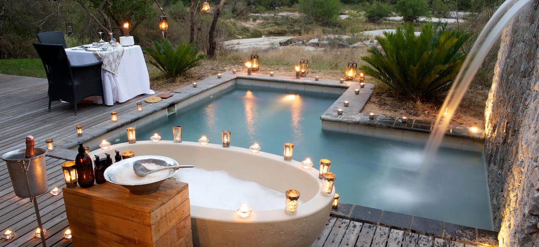 Londolozi-South-Africa-gay-travel-luxury-safari-gay-friendly-resort-South-Africa-gay-honeymoon-outdoor-dining