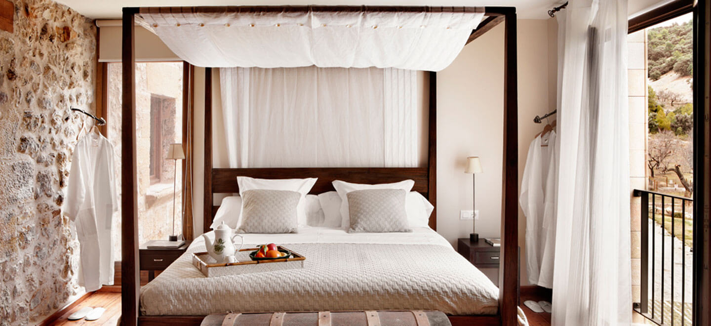 Mas-de-la-Serra-Honeymoon-luxury-Hotel-in-Spain-Gay-Vacation-Spain-Aargon-Mountains-bed2