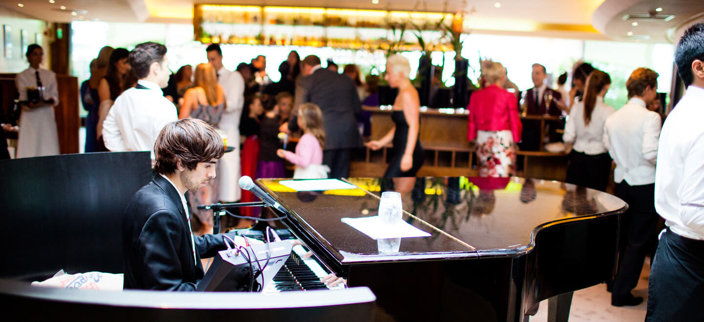 Piano-BoyOhBoy-CameronAndTim-Coq-dArgent-wedding-reception-venue-ec2-city-wedding-london-on-the-gay-wedding-guide-cake-cutting