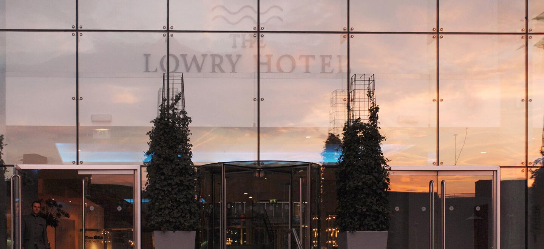 The-Lowry-Hotel-Entrance-Gay-Wedding-Guide-gay-wedding-venue-manchester-luxury-hotel-manchester-gay