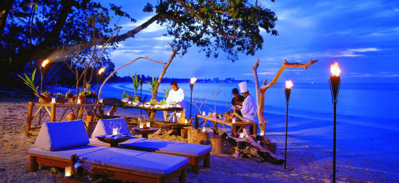 The-Sarojin-Pivate-Beach-Dining-Luxury-Hotel-Phuket-Gay-Thailand-Luxury-Honeymoon-Phuket