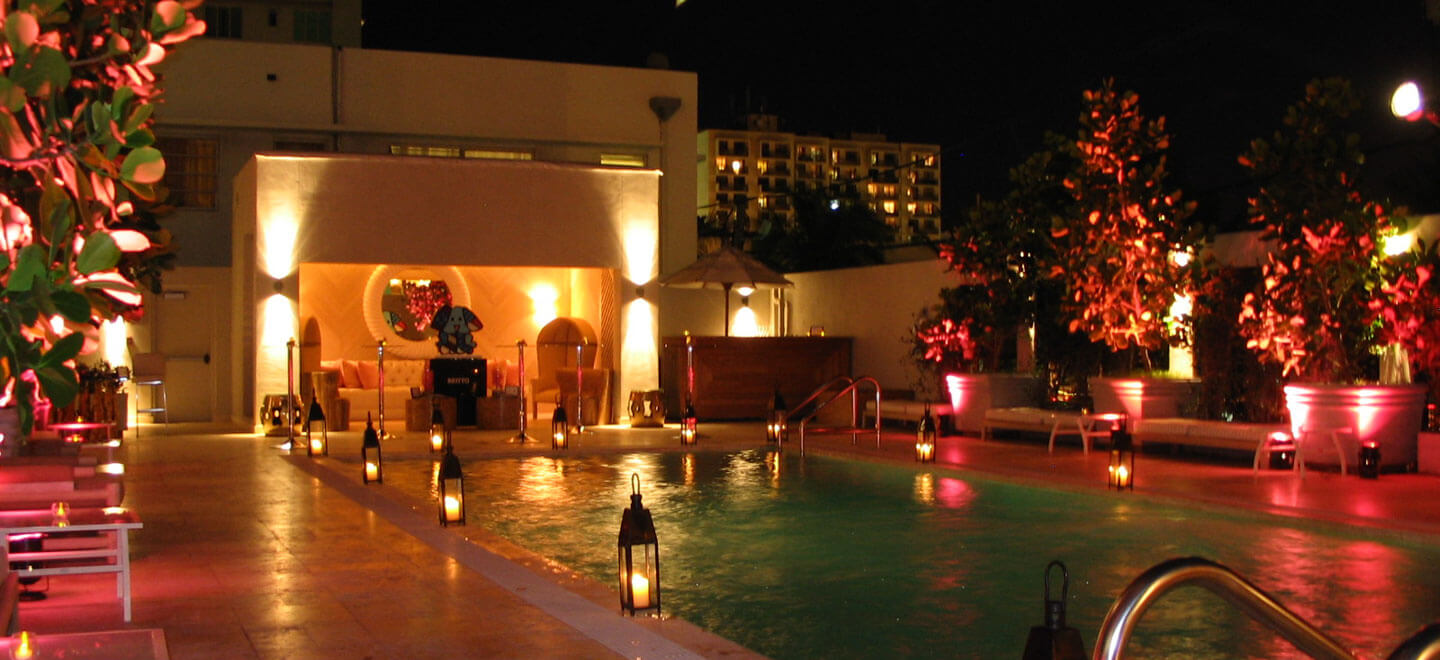 The-Tides-South-Beach-Miami-Gay-Honeymoon-and-Gay-Wedding-Venue-USA-pool-at-night-featured-on-The-Gay-Wedding-Guide
