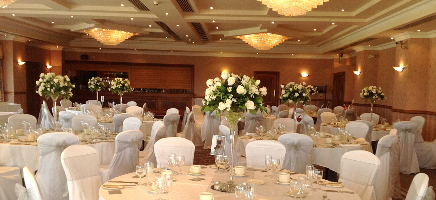 White-Wedding-Dinner-layout-at-Windmill-Village-Hotel-a-civil-wedding-location-birmingham-The-Gay-Wedding-Guide
