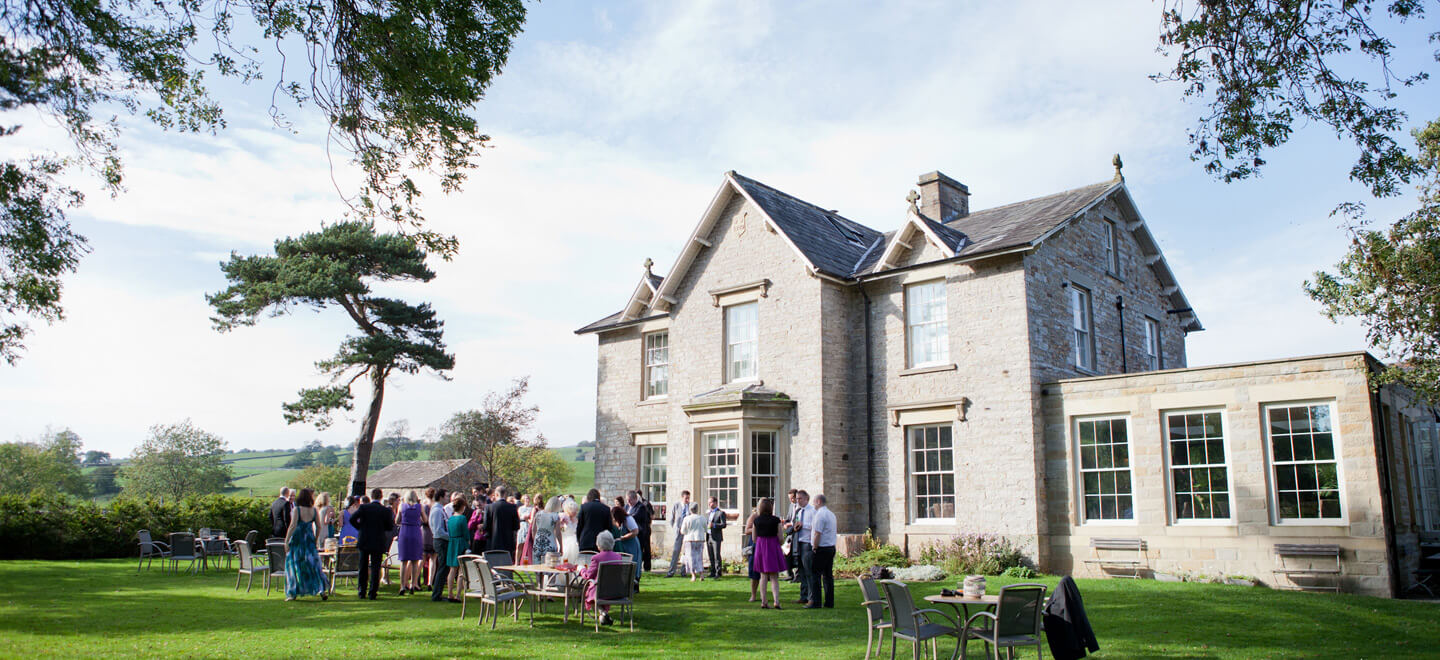 Yorebridge-House-garden.-A-Yorkshire-wedding-venue-on-the-Gay-Wedding-Guide.-Photo-copyright-Anne-Marie-King-Wedding-Photographer