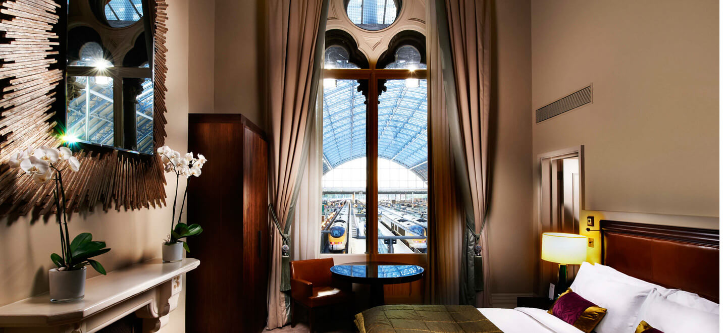 chambers-junior-suite-at-luxury-hotel-nw1-st-pancras-hotel-wedding-venue-london-via-the-gay-wedding-guide