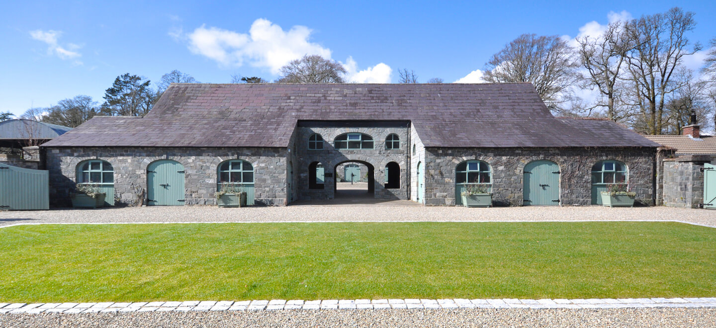 courtyyard-at-wedding-venue-ballynahinch-the-Carriage-Rooms-a-barn-wedding-co-down