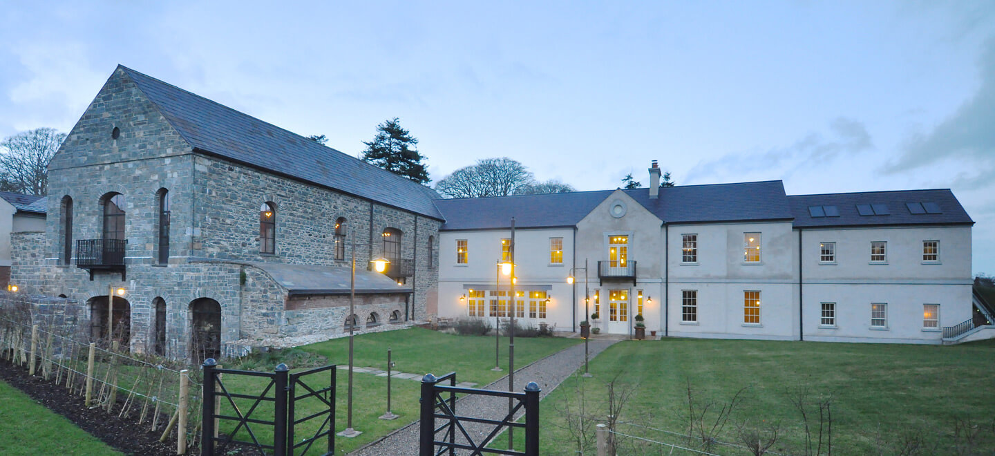 front-elevation-setting-at-wedding-venue-ballynahinch-the-Carriage-Rooms-a-barn-wedding-co-down