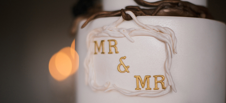 gay-wedding-cake-Shakespeares-Globe-London-wedding-venue-theatre-wedding-SE1-civil-partnership-gay-wedding-celebration