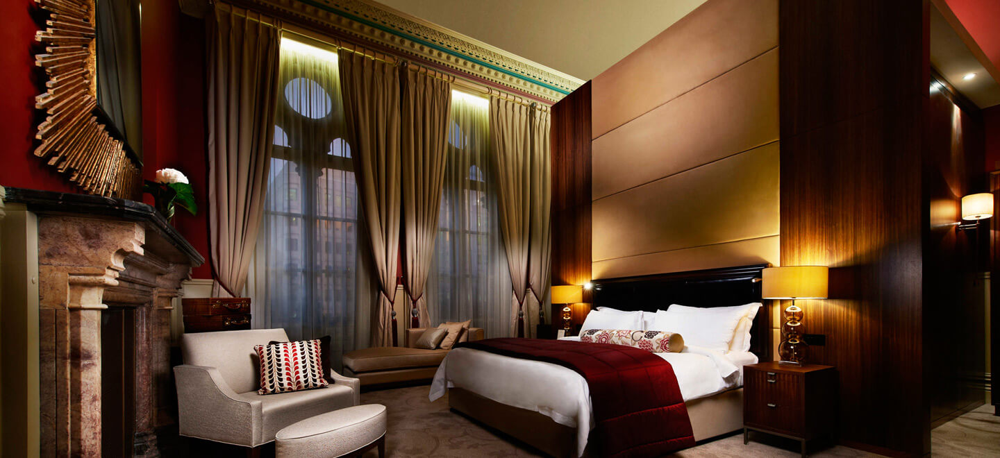 junior-suite-at-luxury-hotel-nw1-st-pancras-hotel-wedding-venue-london-via-the-gay-wedding-guide