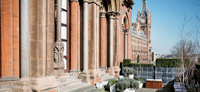 outdoor-terrace-t-luxury-wedding-venue-st-pancras-hotel-nw1-wedding-venue-london-via-the-gay-wedding-guide