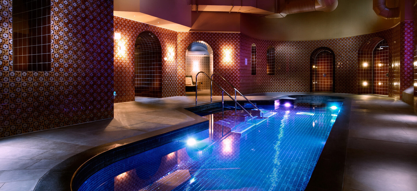 swimming-pool-at-luxury-hotel-nw1-st-pancras-hotel-wedding-venue-london-via-the-gay-wedding-guide