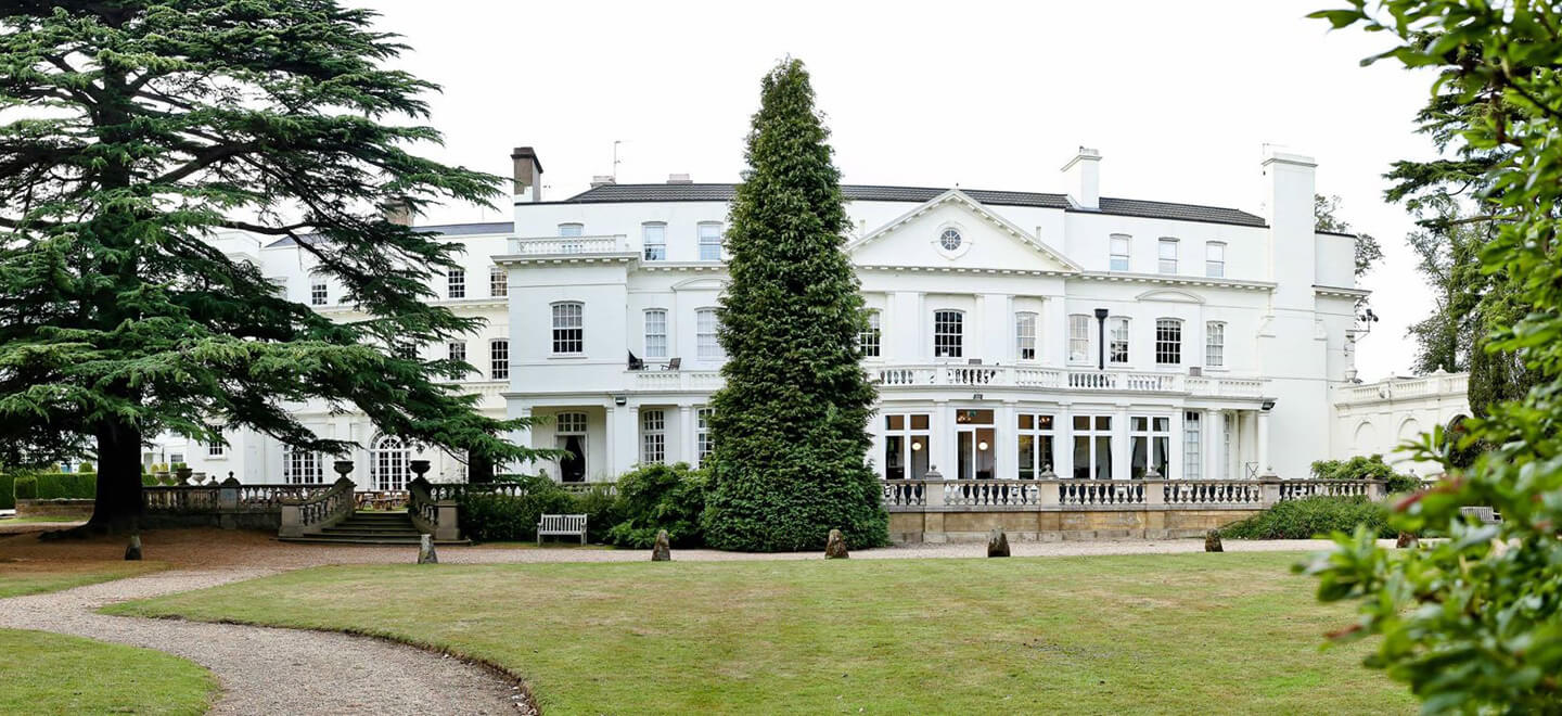 House-at-Pinewood-Studios-wedding-a-unique-wedding-venue-in-berkshire