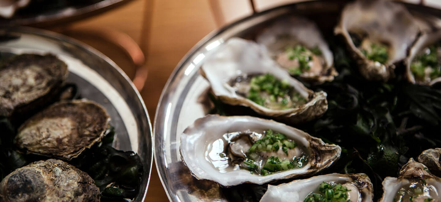 Oysters-at-HIX-Soho-wedding-venue-via-The-Gay-Wedding-Guide