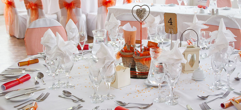red-wedding-theme-at-Warwick-House-luxury-gay-weddiung-venue-in-Warwickshire