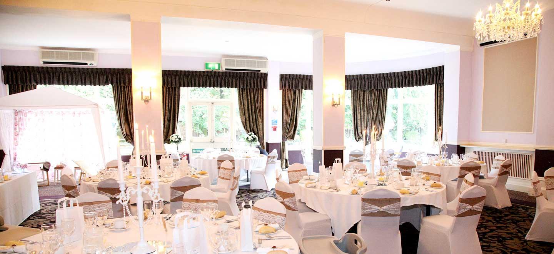 8-Wedding-Breakfast-at-gay-friendly-wedding-venue-Hallmark-Hotel-Derby-Midland-via-The-Gay-Wedding-Guide