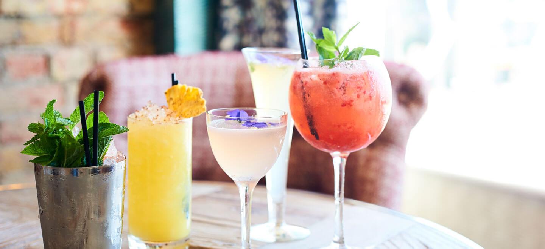 Cocktails-at-Brighton-Harbour-Hotel-gay-friendly-wedding-venue-in-Brighton