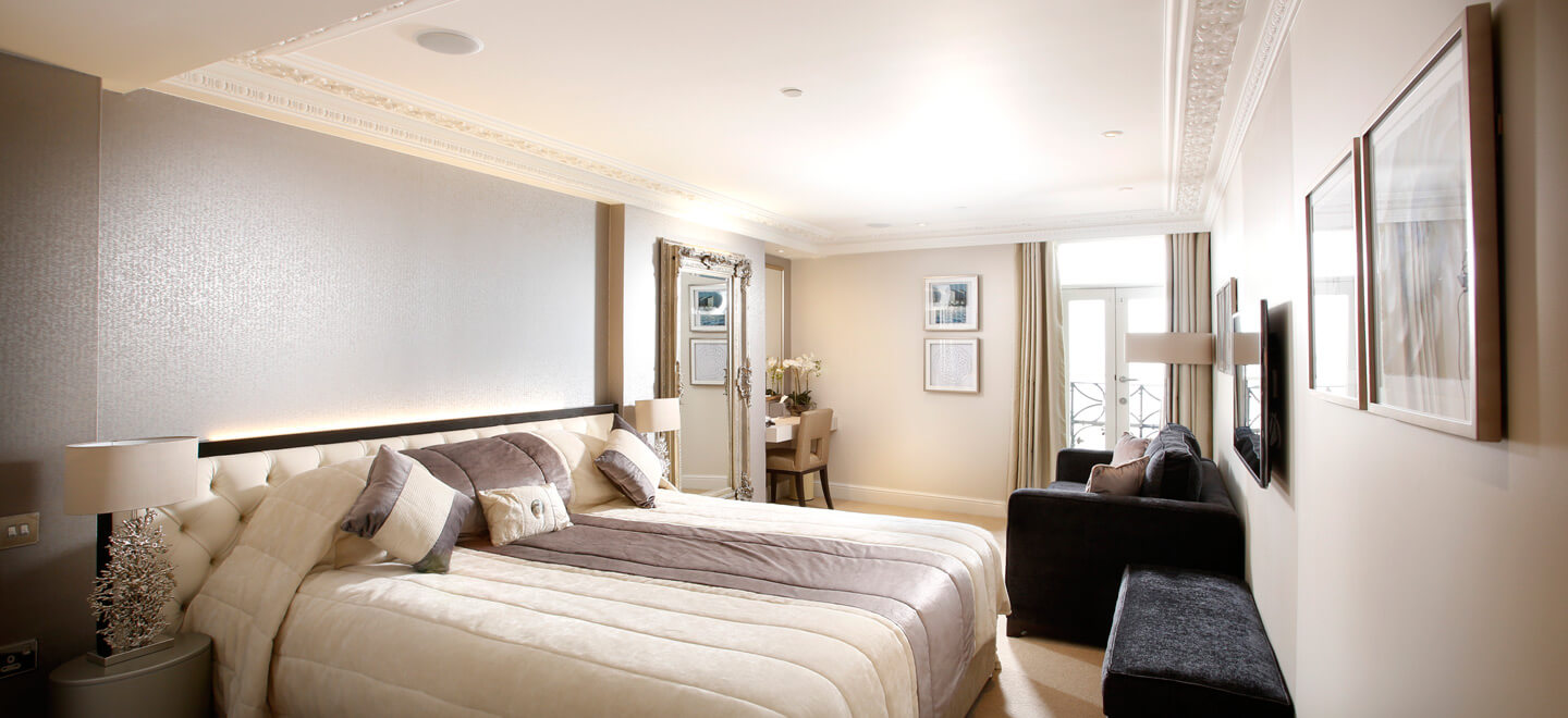bedroom-at-Sands-Hotel-Margate-wedding-venue-a-beach-wedding-venue-featured-on-The-Gay-Wedding-Guide