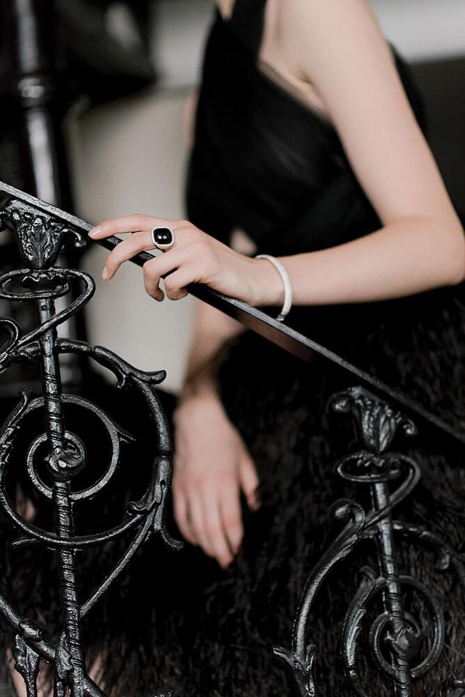 Black dwedding ring Swan Lake wedding shoot styled via Gay Wedding Guide 6
